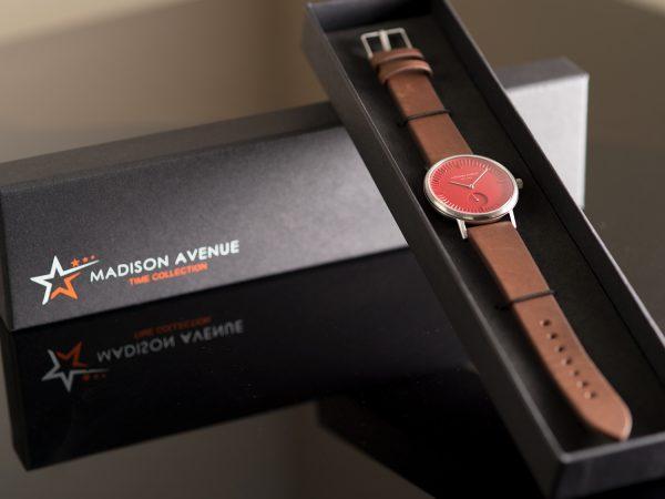 orologio rosso astucciato
